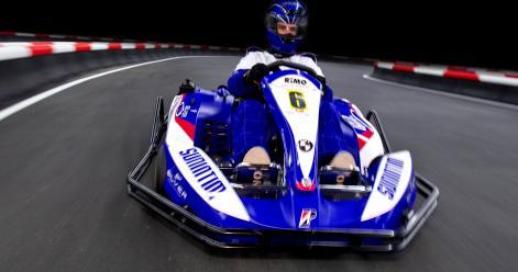 PAKIET PREMIUM - Nocleg w stylu Formuły 1