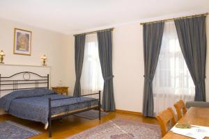 Pokój 2-os. Lux z dużym łóżkiem